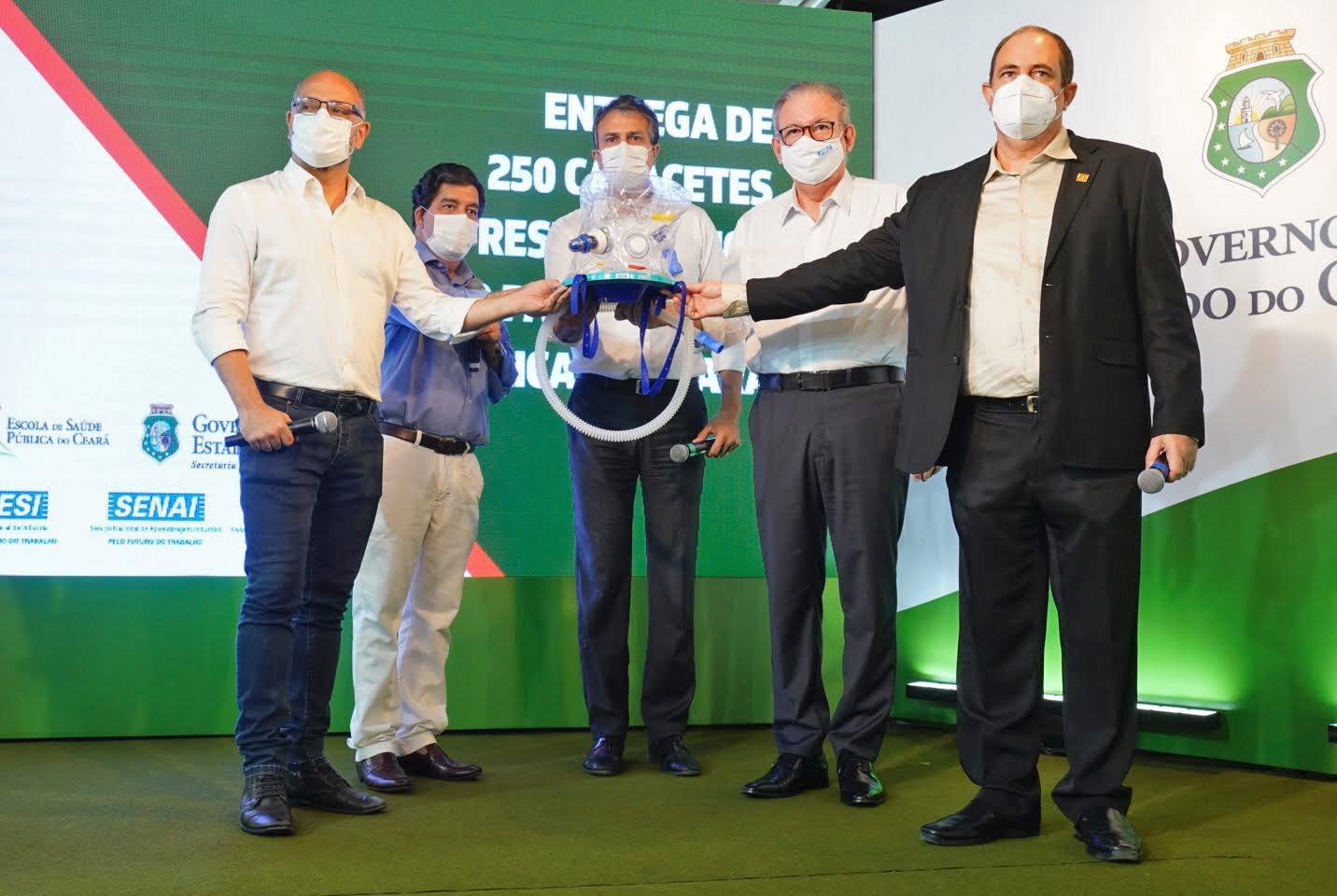 Capacetes respiratórios Elmo reduzirão necessidade de intubação e leitos de UTIs no Ceará