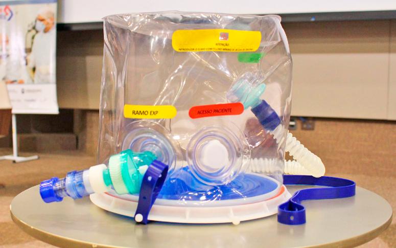Desenvolvido em tempo recorde, capacete de respiração assistida começa a ser testado em pacientes