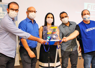 """Equipamento """"Elmo"""" começa a ser testado em pacientes com Covid-19 em Fortaleza"""