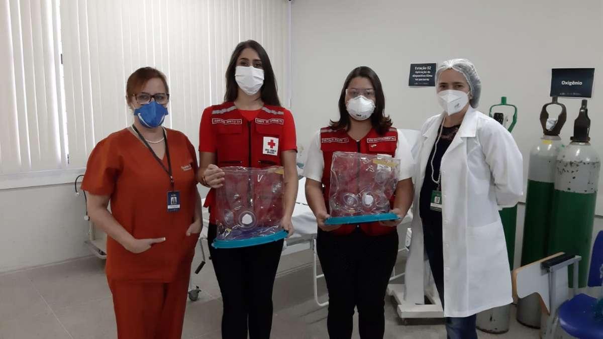 Escola de Saúde Pública treina profissionais da Cruz Vermelha Brasileira para uso e manejo do capacete Elmo