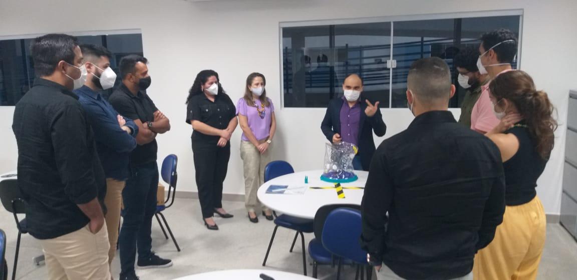 IDOMED – Estácio Canindé recebe capacete Elmo para capacitar acadêmicos em parceria com a ESP/CE